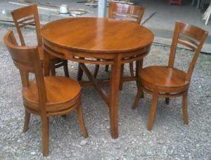 meja-makan-restoran-model-minimalis