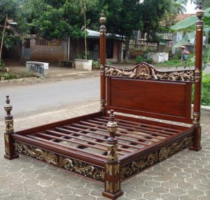 Tempat Tidur Ukiran Jati Jepara Gold