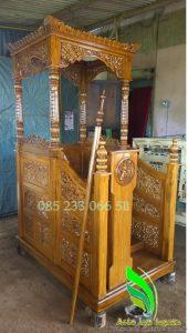 Mimbar Masjid Kayu Jati Kubah Jepara