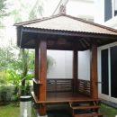 gazebo-kayu-kelapa-taman-rumah
