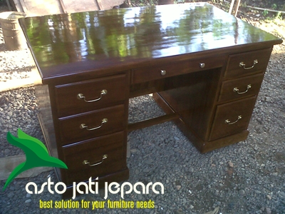 meja-kantor-kayu-jati
