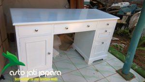 Meja Kerja Putih Duco Minimalis Jepara