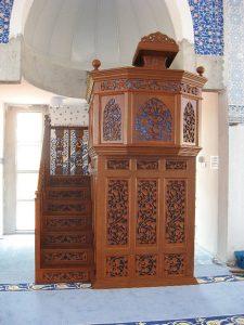 Mimbar Masjid Ukiran Karawang Jepara