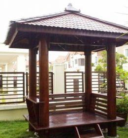 Gazebo Kayu Taman Rumah