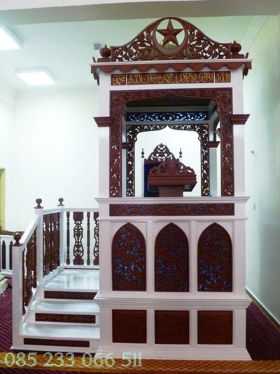 Mimbar Masjid Model Tangga Ukir Jepara