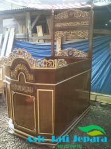Mimbar Masjid Jati Jepara Model Kereta