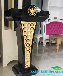 Podium Pidato Presiden Kayu Jati