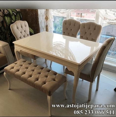 set meja makan krem