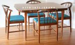 Meja Makan Minimalis Modern dengan Desain Retro