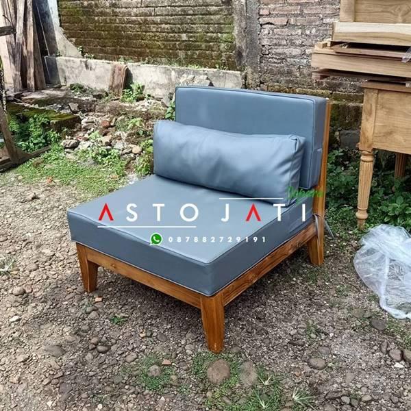 Sofa Tamu Outdoor Minimalis Taki ASTO - 340